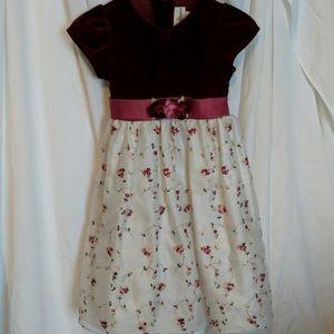 Little girl's velvet-top dress 6x